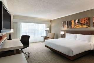 DH_YSJDB_1_king_bed_guest_room_1.jpg
