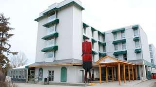YK-Coast-High-Country-Inn-Exterior.jpg