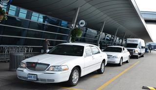 limo-charter-voyageur.jpg