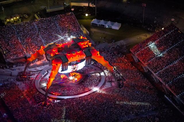 U2-red